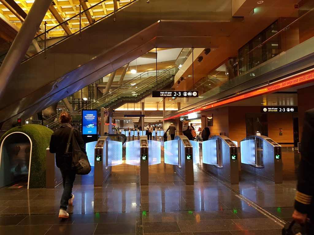 How to go from Oslo airport to the city